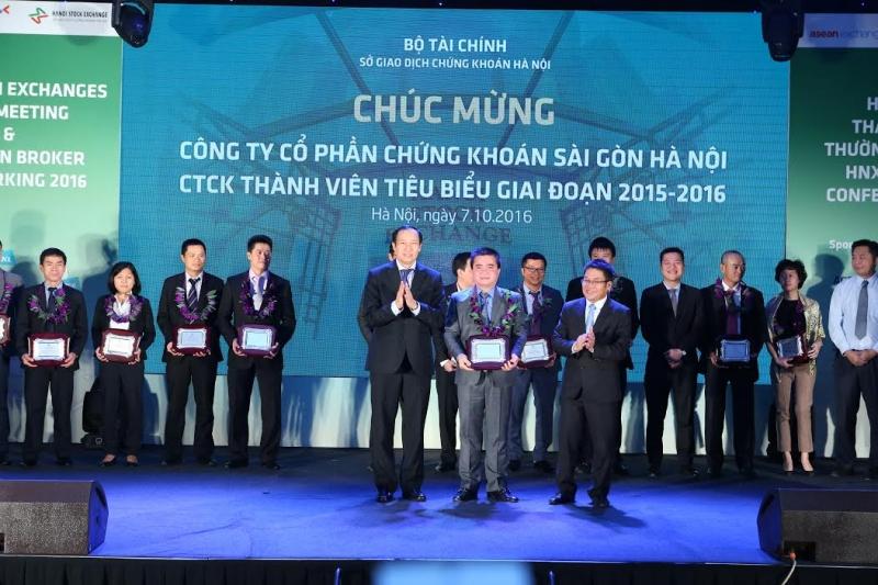 SHS - công ty lớn nhất sàn chứng khoán Việt Nam