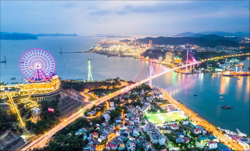Công ty Cổ phần Du lịch Hạ Long luôn đi đầu trong lĩnh vực kinh doanh du lịch; lữ hành quốc tế, nội địa
