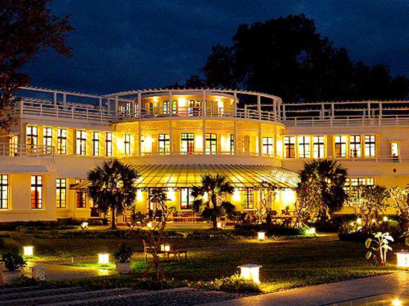 Khách sạn La Residence Huế là một trong những khách sạn của Hương Giang Tourist