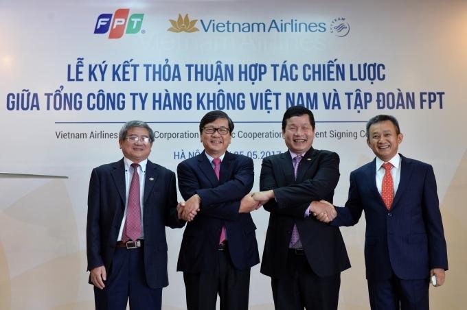 Ngày 25/5/2017, Tổng công ty Hàng không Việt Nam (Vietnam Airlines) và Công ty Cổ phần FPT (FPT) đã ký thỏa thuận hợp tác chiến lược trong vòng 3 năm (2017-2020)