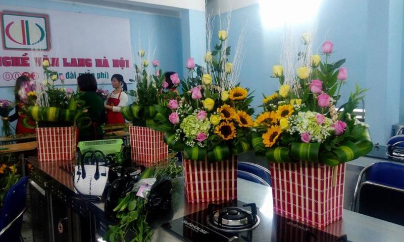 Trường dạy thực hành các kiểu cắm hoa đẹp
