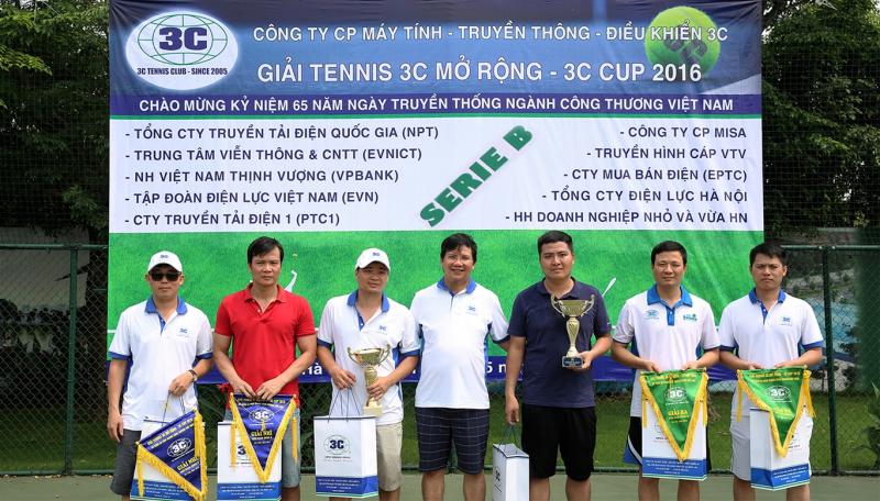 Công ty tổ chức tranh giải đánh vợt