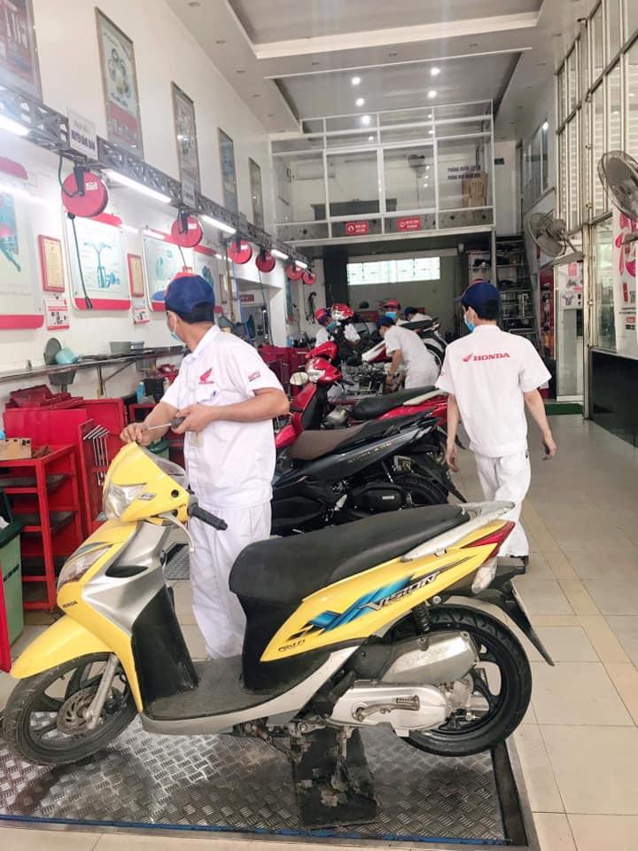 Head Phúc Thanh không ngừng hoàn thiện, thực hiện tốt sứ mệnh mang đến cho khách hàng không chỉ những chiếc xe Honda tốt nhất, những dịch vụ hoàn hảo, phụ kiện – phụ tùng chính hãng