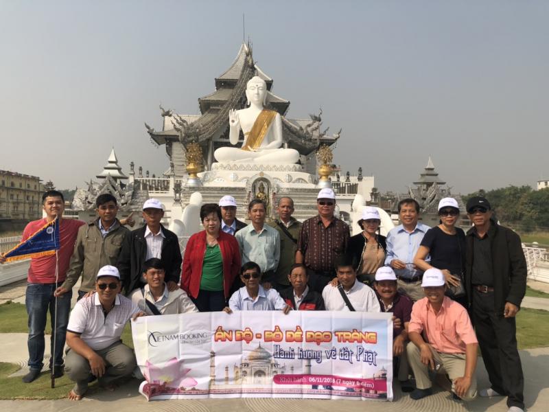 Đoàn khách du lịch Ấn Độ do Vietnam Booking tổ chức