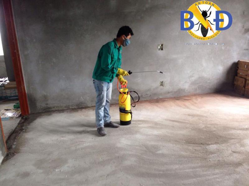 Công ty Bình Đan cam kết dịch vụ phun muỗi tại nhà sẽ được thực bởi các nhân viên có chuyên môn kỹ thuật cao, trung thực, có trách nhiệm trong công việc.