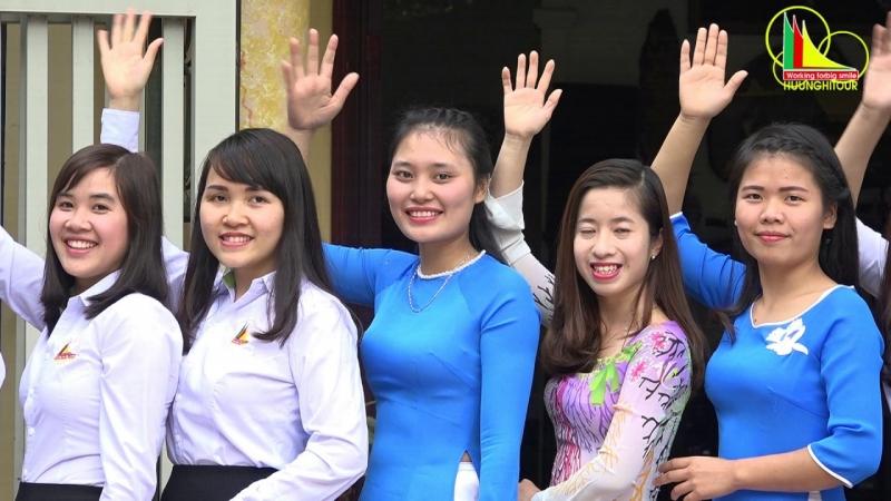 Đội ngũ nhân viên công ty CP du lịch quốc tế Hữu Nghị