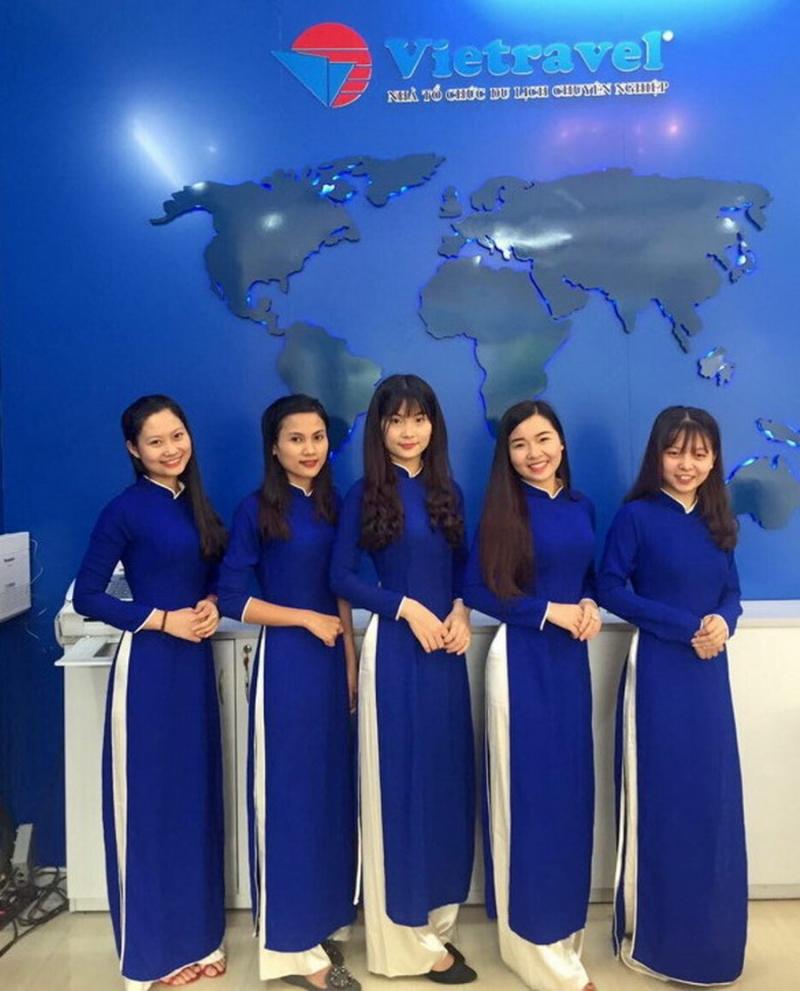 Các nhân viên của Công ty Vietravel tại Thanh Hóa