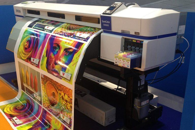 Dịch vụ in màu tại công ty in ấn Minh Trường