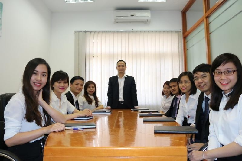 Đội ngũ luật sư và chuyên viên pháp lý tại công ty Luật Trí Minh