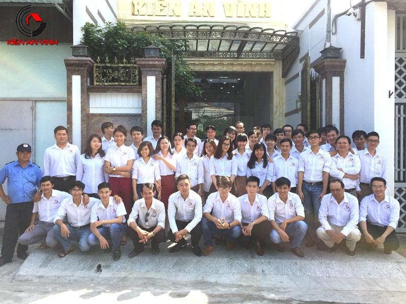 Đội ngũ nhân viên nồng cốt Công ty Kiến An Vinh