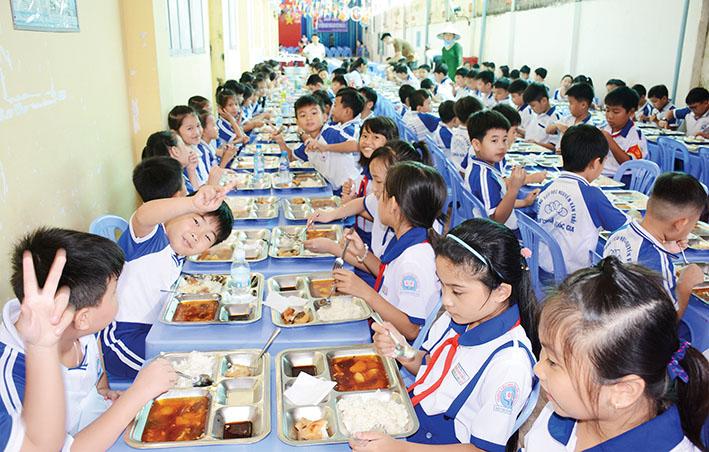 Ẩm Thực Á Đông luôn cố gắng tìm tòi những món ăn ngon, lạ miệng, hợp vệ sinh an toàn thực phẩm để phục vụ khách hàng một cách tốt nhất