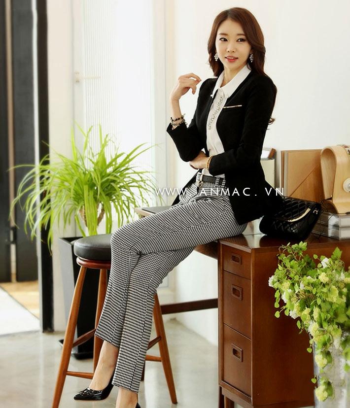 Đồng phục công sở đẹp tại công ty ANMAC Việt Nam