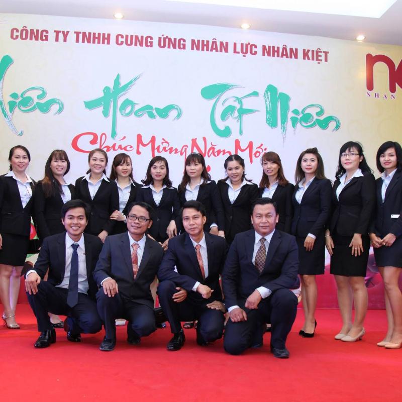 Nhân Kiệt - đạt danh hiệu top 10 thương hiệu uy tín, sản phẩm chất lượng, dịch vụ tin dùng năm 2014