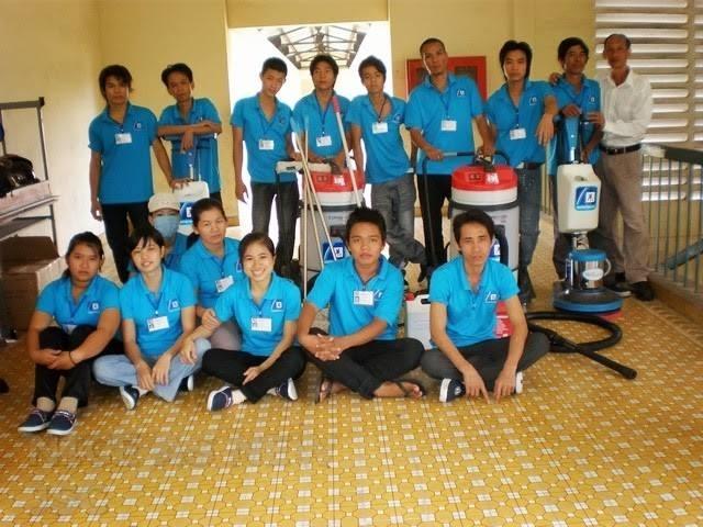 Đội vệ sinh công ty TNHH Đầu Tư TM & DV Quốc Tế Hoàn Mỹ