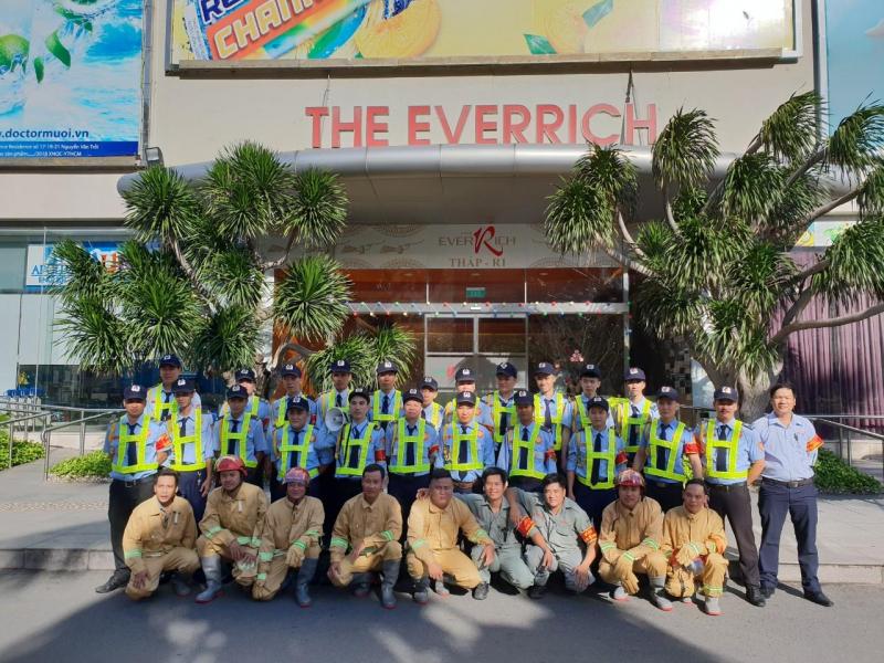 Đội ngũ nhân viên chuyên nghiệp tại  Công ty TNHH Dịch Vụ Bảo Vệ Thái Long Sài Gòn