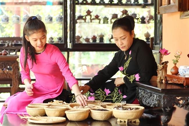 Các nguyên liệu làm trà cung đình Huế