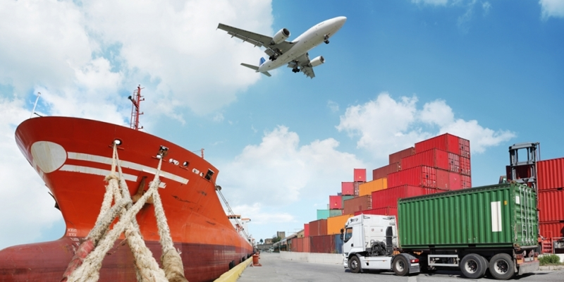 Long Tứ Vương là công ty hàng đầu về vận tải đường biển, hàng không, đường bộ.