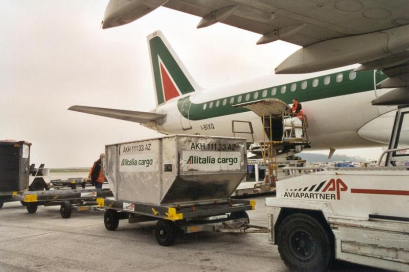 GIa Viễn phục vụ cho quí khách cả trong việc chuyển hàng ra quốc tế.