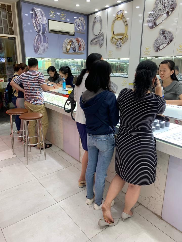 Cửa hàng Ngọc Long Châu.