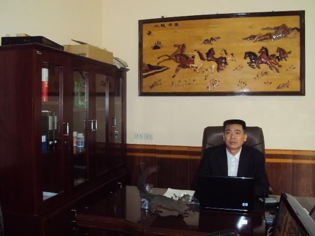 Giám đốc Công Ty TNHH Mạnh Tùng