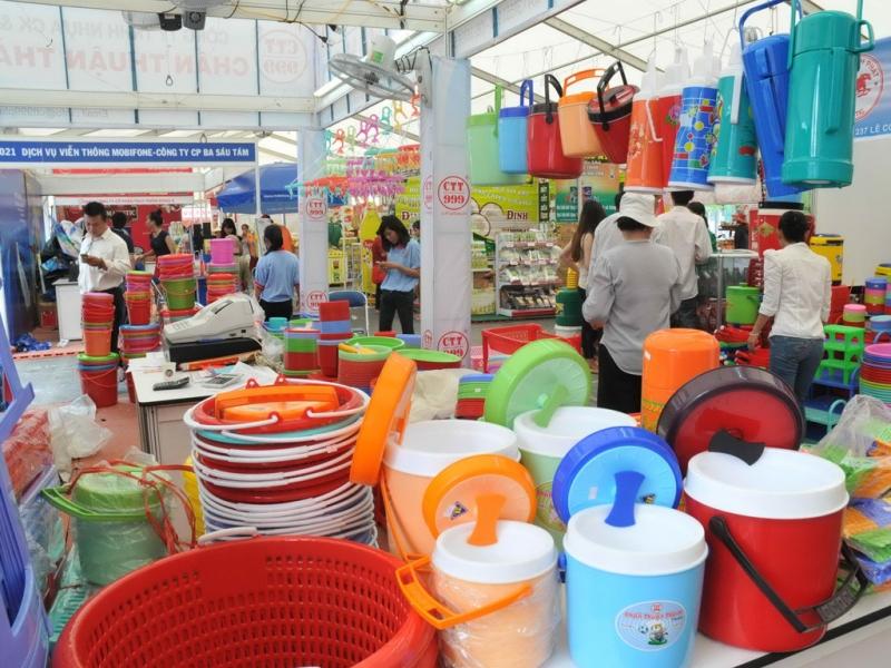 Sản xuất, gia công đa dạng các sản phẩm nhựa