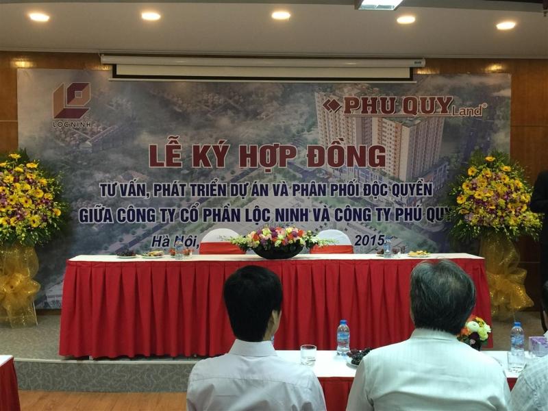 Lễ ký kết hợp đồng giữa công ty Cổ Phần Lộc Ninh và Công ty TNHH PR & Phát Triển Đô Thị Phú Quý độc quyền phân phối phát triển dự án Phố Thương Mại Ngọc Sơn