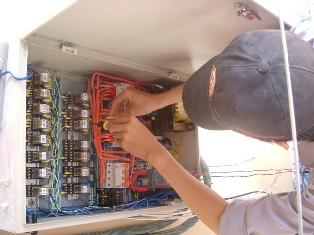 Thang máy  Việt Hưng - Công ty sửa chữa và bảo trì thang máy uy tín nhất tại Hà Nội