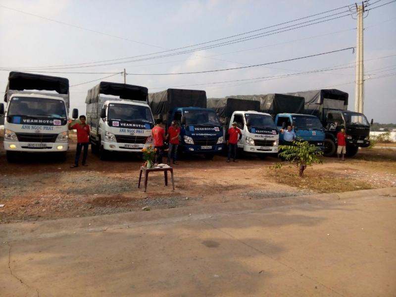 Vận Tải Ánh Ngọc Phát có s ố lượng xe tải lớn đảm bảo đáp ứng tôi đa nhu cầu chuyển hàng của bạn, đội ngũ nhân viên, tài xế luôn thân thiện, làm việc hết mình vì khách hàng