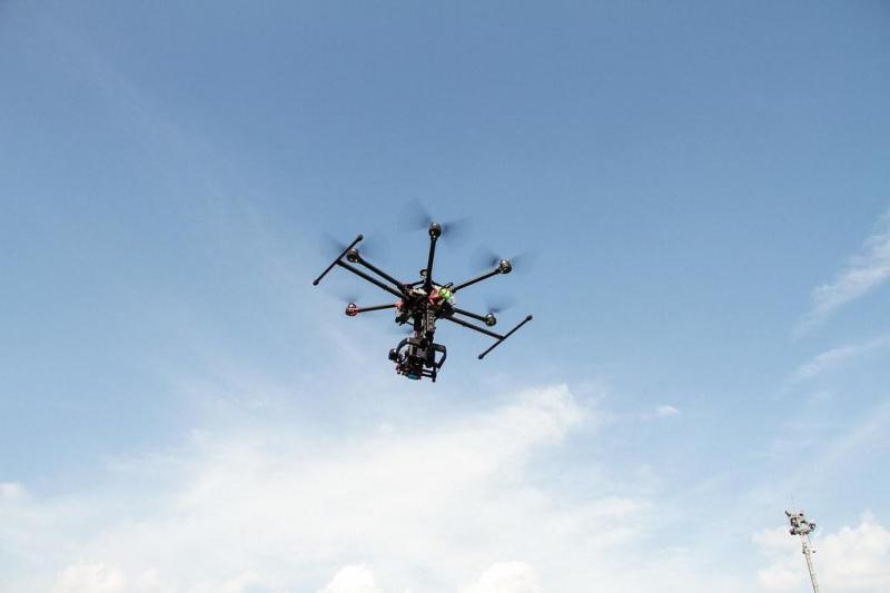 Hệ thống Flycam của công ty luôn đạt chất lượng cao, đầy đủ phụ kiện đi kèm.