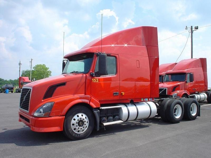 Xe đầu kéo phục vụ quá trình vận tải đường bộ