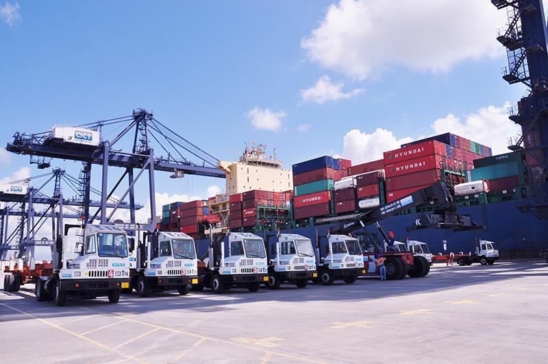 Đội xe vận tải Bắc Nam của công ty