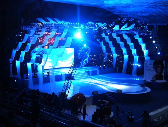 Dịch vụ cho thuê âm thanh ánh sáng Sài Gòn Light Event với dàn âm thanh ánh sáng chuyên nghiệp cho một sự kiện bất kỳ, bạn sẽ thấy rõ tính khác biệt trong toàn bộ chương trình được diễn ra.