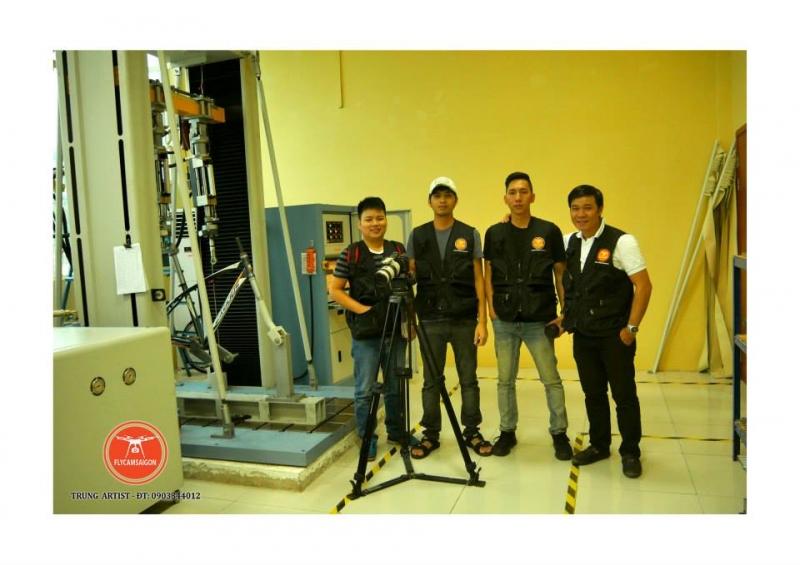 Công ty luôn có đội ngũ quay phim và nhiếp ảnh lành nghề, giúp đỡ khách hàng trong quá trình sử dụng Flycam.