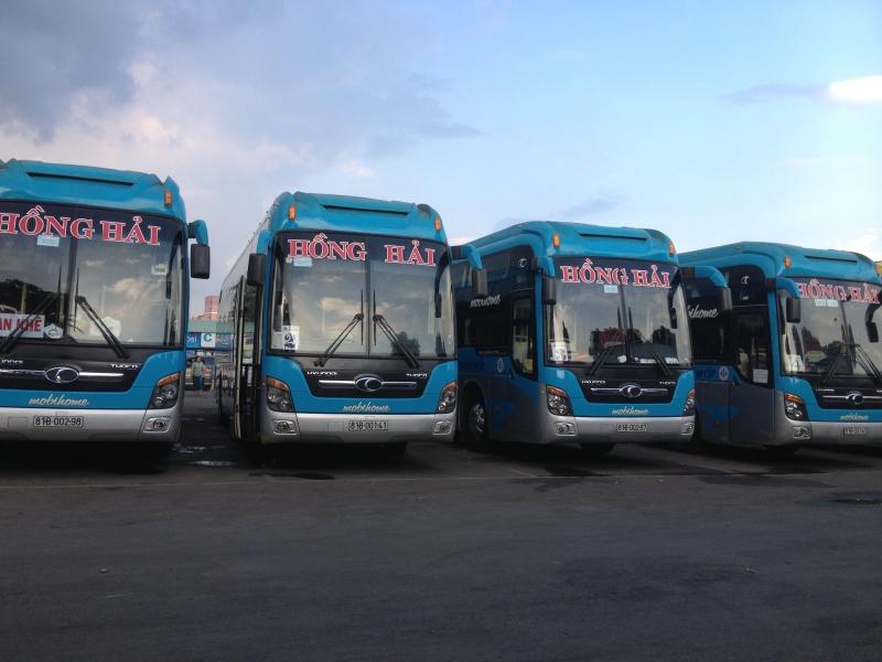 Đội ngũ xe của Hồng Hải không chỉ phục vụ nhu cầu vận tải mà còn là vận chuyển hành khách.