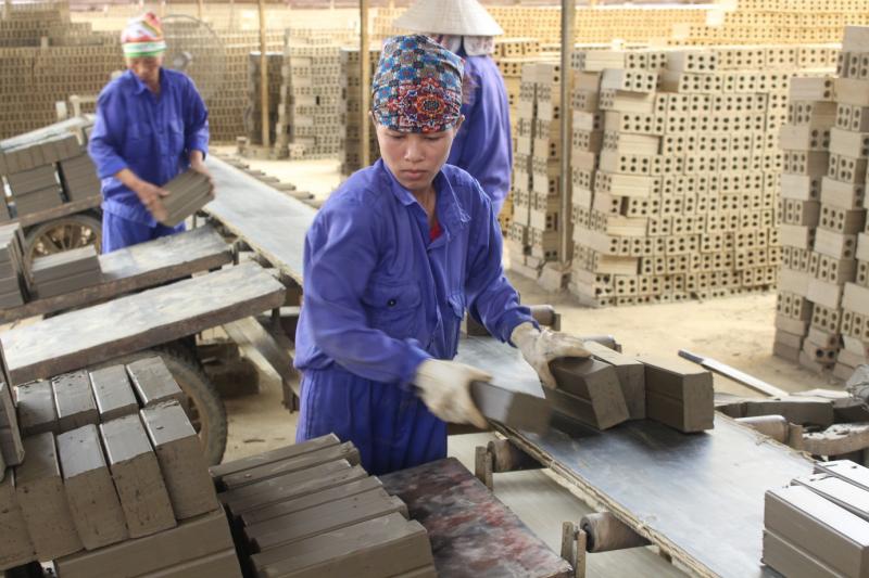 Sản xuất gạch phục vụ xây dựng