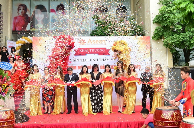 Sự kiện Đại Lâm với kinh nghiệm trong ngành event management, doanh nghiệp chúng tôi đã tổ chức thành công hàng ngàn sự kiện khai trương khắp cả nước trong nhiều năm qua
