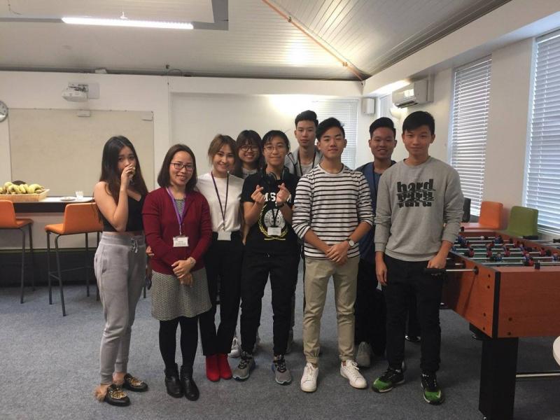 Nhân viên TEC tới thăm trường CATS College, UK