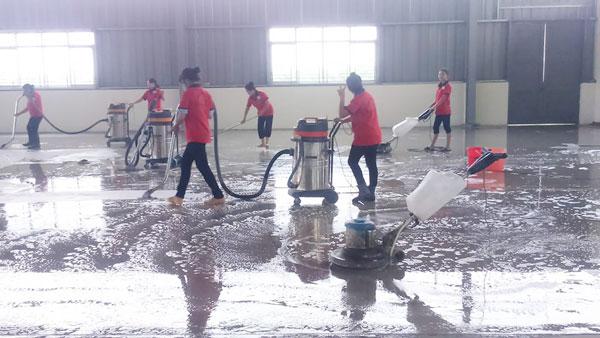 Công ty vệ sinh công nghiệp Phát Đạt