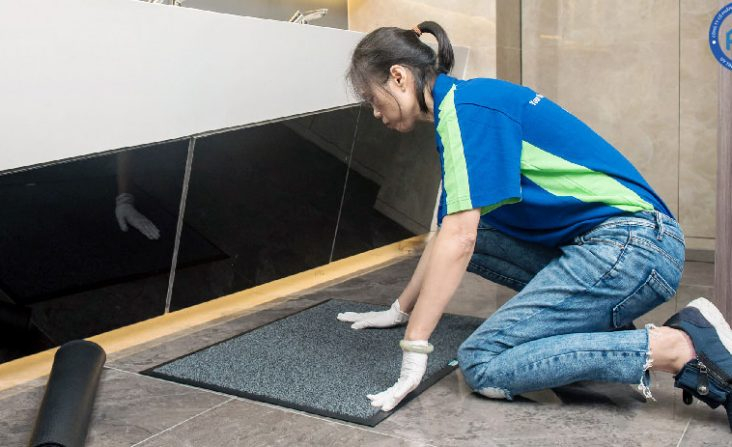 Công ty VIỆT TÍN sẵn sàng đáp ứng nhu cầu đa dạng của khách hàng trong việc vệ sinh văn phòng.