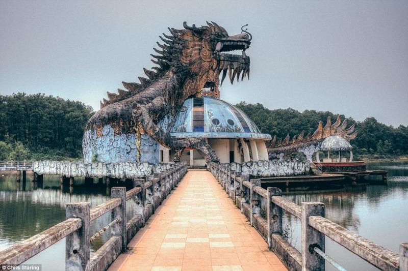 Toàn cảnh công viên bỏ hoang hồ Thủy Tiên