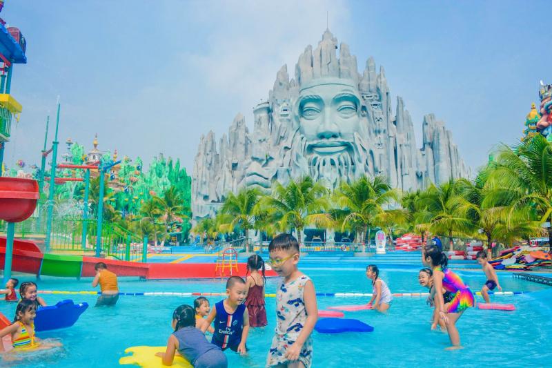 Công viên du lịch văn hóa Suối Tiên