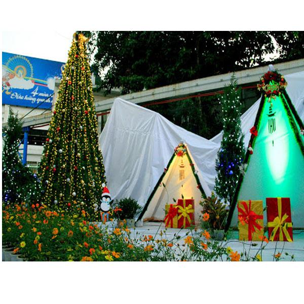 Hãy tới công viên nước Hồ Tây vào dịp Noel này bạn nhé.