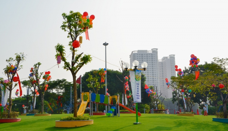 Khu vui chơi trong công viên Nghĩa Đô