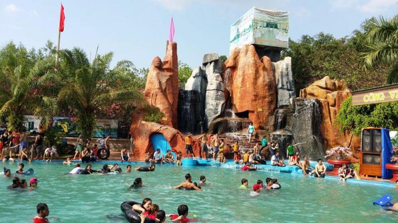 Công viên nước Long Điền Sơn