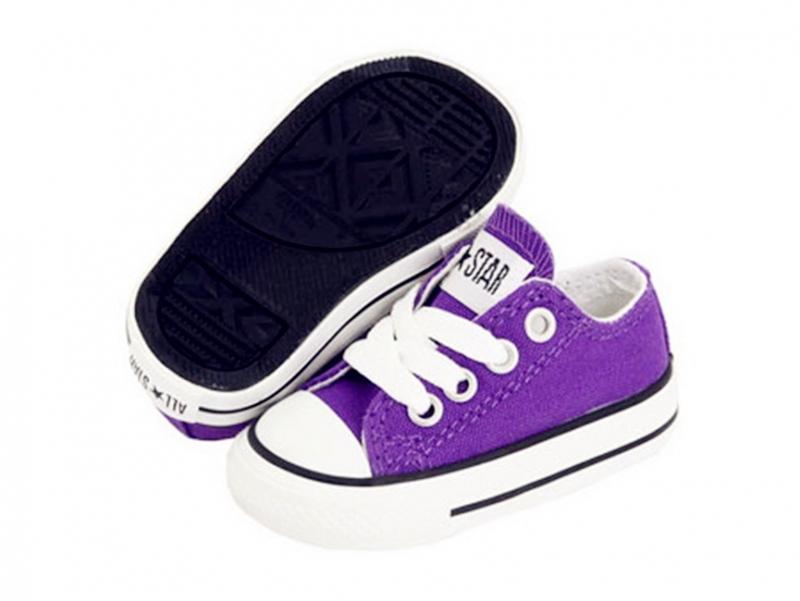 các mẫu giày dép dành cho trẻ em của Converse không có quá nhiều khác biệt so với giày người lớn
