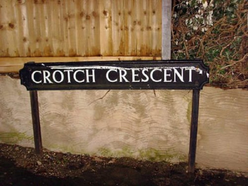 Crotch Crescent, Anh