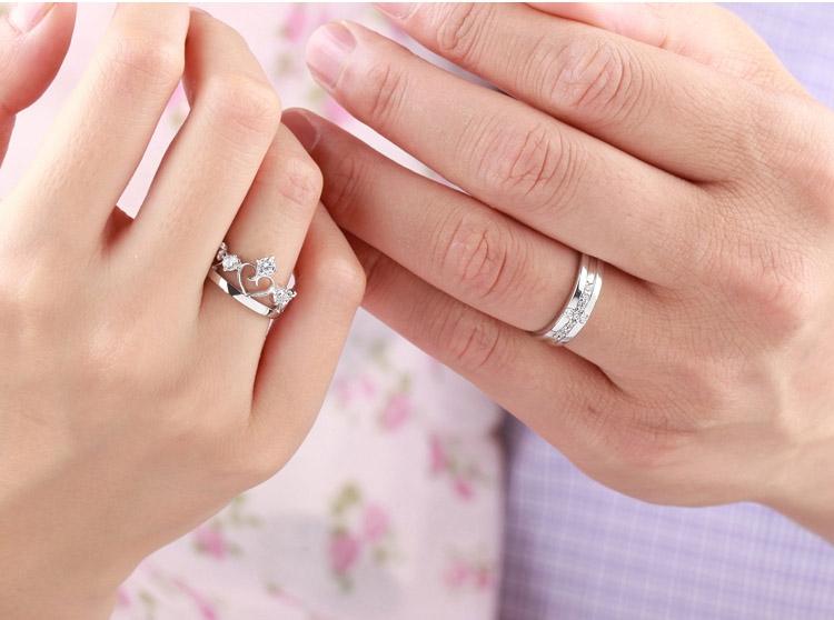 Một đôi nhẫn bạc với người thương có thể đem lại may mắn cho Cự Giải