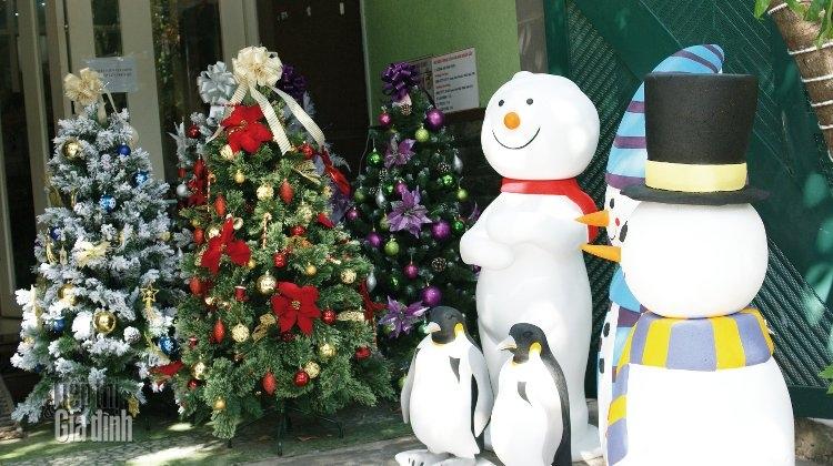Top 9 Cửa hàng bán đồ trang trí Giáng Sinh (Noel) giá rẻ tại Thành phố Hồ Chí Minh