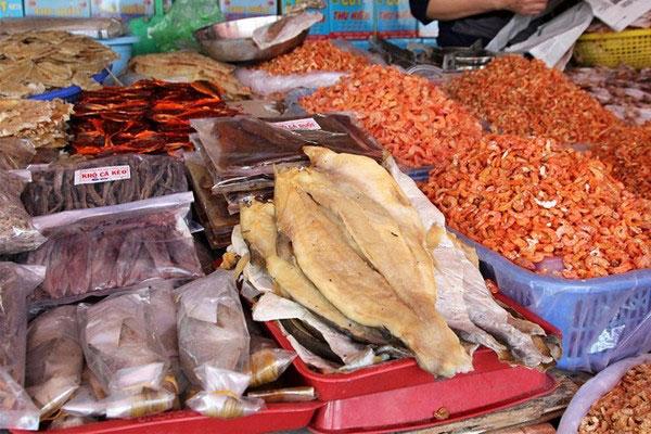 Cửa hàng bán hải sản khô