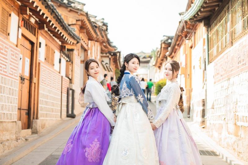 Top 4 cửa hàng cho thuê Hanbok giá rẻ, đẹp nhất tại Hà Nội